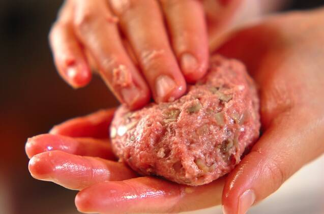 キノコ入りハンバーグの作り方の手順3