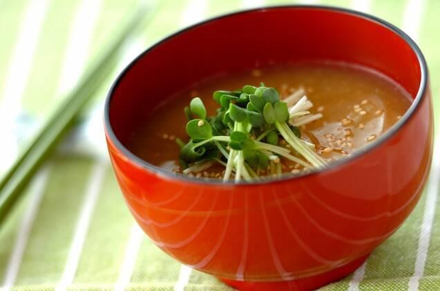 調理時間5分。大根と貝われの味噌汁