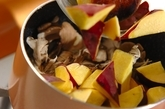 キノコとサツマイモのクリーム煮の作り方3