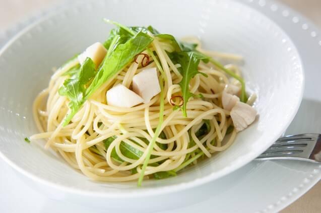 ピリッと大人の味わい。ルッコラの人気レシピ20選&保存方法
