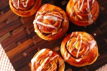 アップルシナモンロールパン