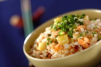 鮭とサツマイモの炊き込みご飯