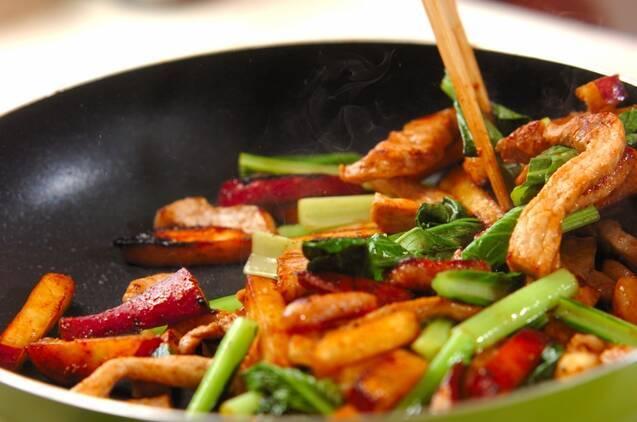 豚肉とサツマイモの旨塩炒め(下準備1時間有り)の作り方の手順3