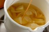 新ジャガと新玉ネギのみそ汁の作り方1