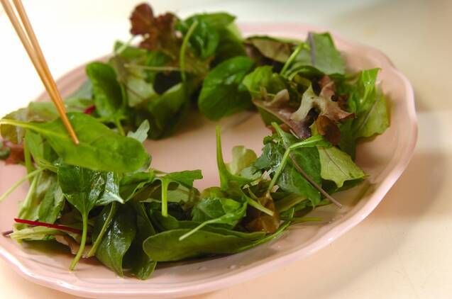 リースのサラダの作り方の手順3