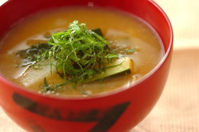 長芋とズッキーニの味噌汁