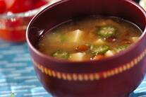 オクラと豆腐のおみそ汁