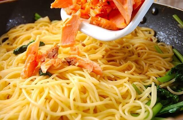 甘塩鮭のスパゲティの作り方の手順7