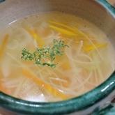 せん切り白ネギのスープ