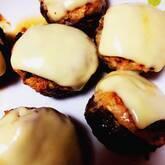 シイタケの肉詰めチーズ焼き