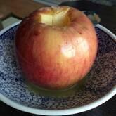 シナモン風味の焼きリンゴ