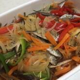 美味しい彩り!豆アジとせん切り野菜の南蛮漬け