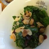 ホウレン草のナッツサラダ