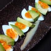 塩麹卵とアボカドのサラダ