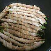 アスパラの肉巻き焼き