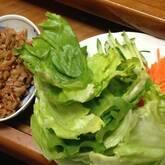 豚納豆炒めレタス包み