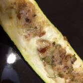 ズッキーニの肉詰め焼き