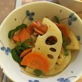 レンコンとニンジンの炒め物