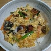 サンマの缶詰とニラの卵とじ丼