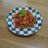キノコのトマトソースパスタ