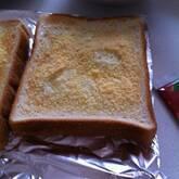 チーズバタートースト
