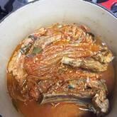 レンジ圧力鍋で骨付き豚バラ肉と赤目芋の照り煮