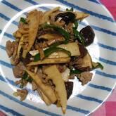 シイタケの炒め物