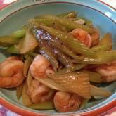 セロリとエビの炒め物