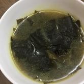シンプルワカメスープ