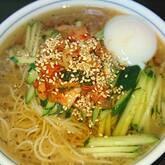 さっぱりツルツル!韓国冷麺