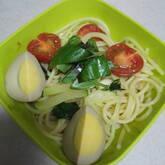 ニンニクの香りがそそる!トマトとバジルの冷製パスタ
