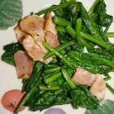 ホウレン草とベーコンの炒め物