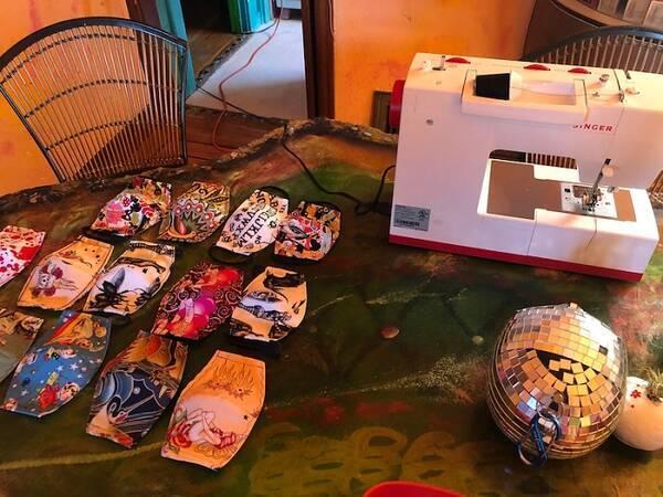 野沢直子、夫が引き続きマスク作りに没頭「職人心に火がついた」 (2020 ...