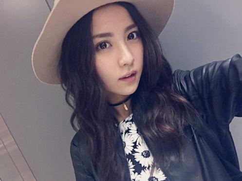 帽子を被ったかわいい石川恋