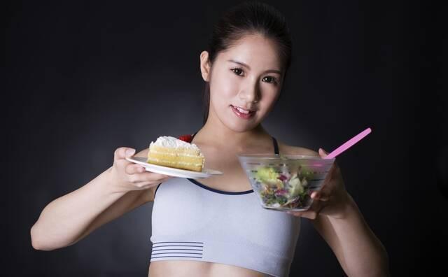 「食事を摂る」の画像検索結果