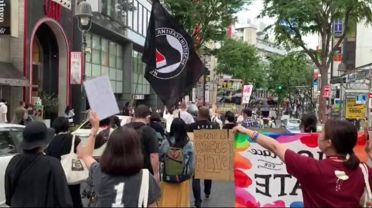 米当局、極左暴力集団「ANTIFA」をテロ組織認定へ 東京渋谷の警察抗議 ...