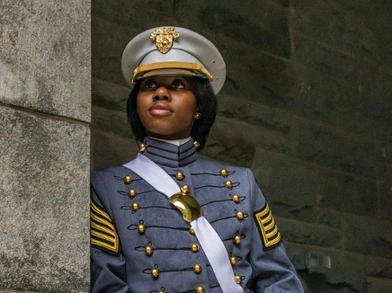 史上最多の黒人女性がアメリカ陸軍士官学校を卒業!卒業写真がかっこよ ...