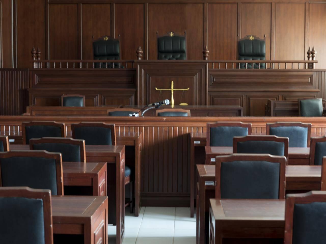 児童の盗撮を続けた男に終身刑、裁判官が犯人に激怒「法が許せばあなた ...