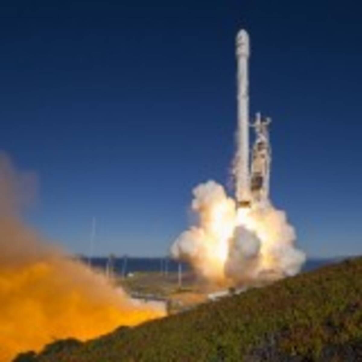 スペースXの「ファルコン9」ロケット復活! 昨年9月の爆発事故以来、初 ...