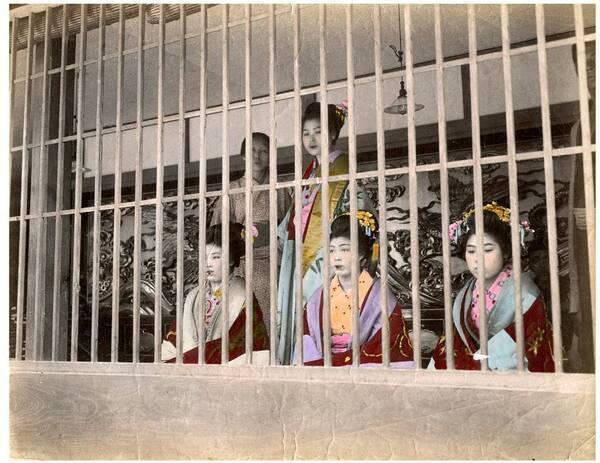 江戸時代の吉原遊廓の幼い少女たち「禿(かむろ)」が一人前に女郎 ...