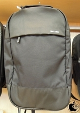 Apple Store、Incaseのバックパック「Incase Campus Exclusive Compact Backpack」を販売開始(Store限定)