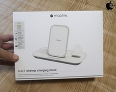 Apple Store、mophieのワイヤレス充電台「mophie 3-in-1 Wireless Charging Stand」を販売開始