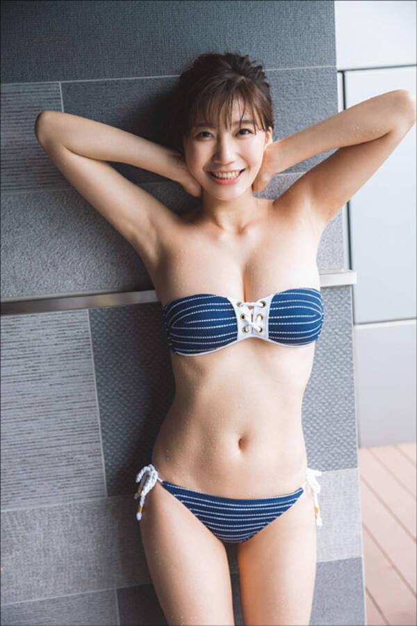 小倉優香、水着からこぼれるド迫力Gカップ乳! 初のカレンダーに男性ファンたちの期待高まる (2018年8月7日) - エキサイトニュース