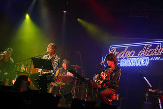 "GRANRODEO、『Live Session ""Rodeo Note"" vol.1』のライブレポートが到着!"