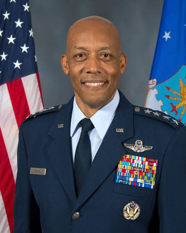 アメリカ空軍次期参謀総長に初の黒人指名 現在の太平洋空軍司令官 ...