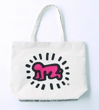 「The Keith Haring pop-up store」ルクア イーレ 4F イセタン クローゼットにて開催