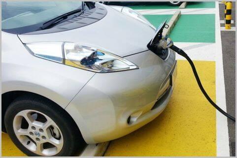 レンタカーで「電気自動車」を選ぶという選択肢