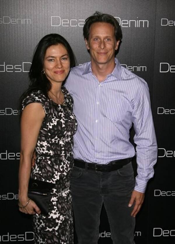 俳優スティーヴン・ウェバー、妻と離婚へ。 (2013年3月6日 ...