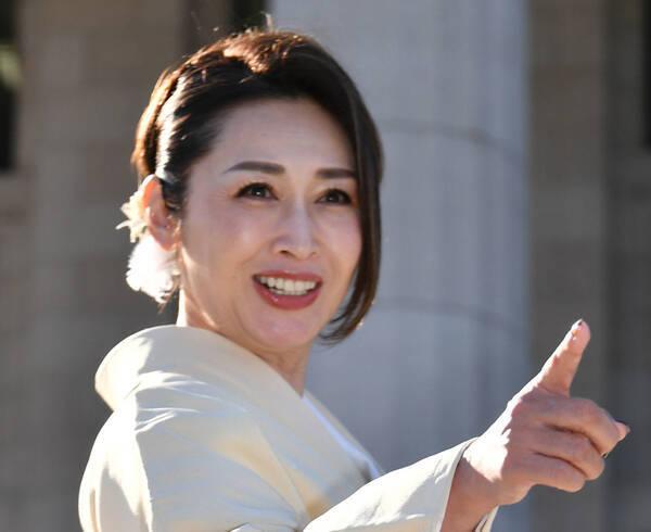 三原じゅん子厚労副大臣が退任へ「これからは自由に言いたい事を発信するぞ~」