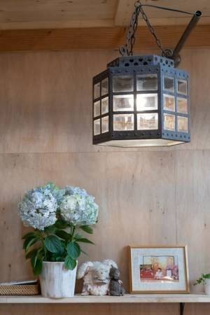素朴な素材感でシンプルに光と風がぐるりと回遊抜け感が心地いい家